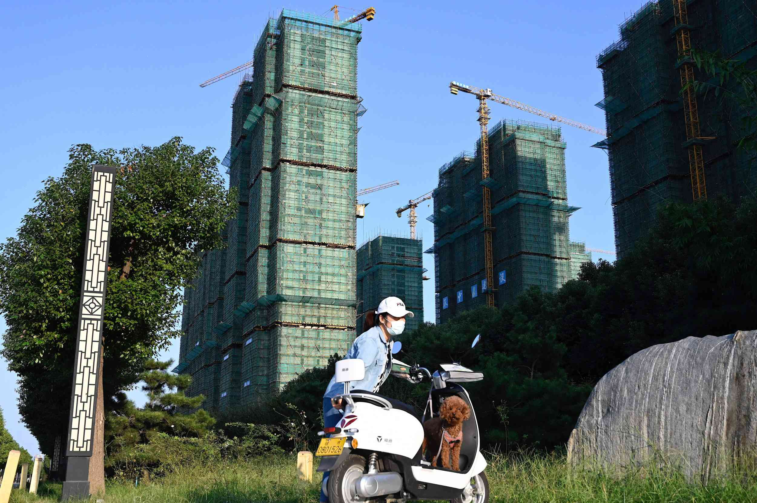 China's real estate bubble is in free fall